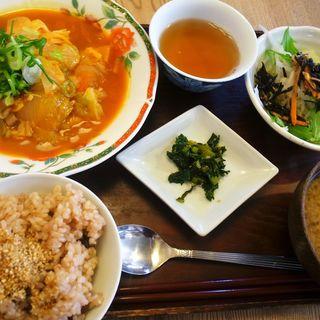 豆腐のステーキ(鶏そぼろと季節野菜のトマトソース)(びお亭 (ビオテイ))
