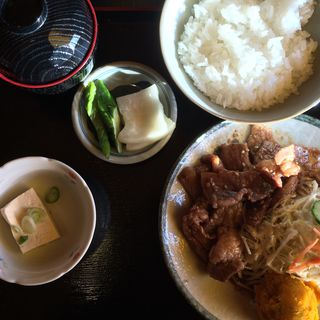カルビ焼き肉定食(レストラン カントリー)