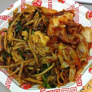 2色丼(回鍋肉&豚肉と筍の卵炒め)(元祖 紙やき ホルモサ 新青山ビル (カミヤキ ホルモサ))
