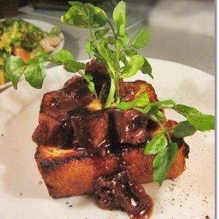 牛バラ肉の赤ワイン煮込みフレンチトースト (マディソン ニューヨーク キッチン (MADISONNEW YORK KITCHEN))