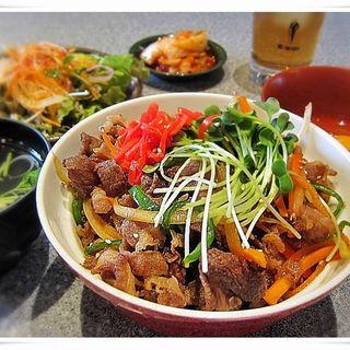 焼肉丼(炭火焼肉 東海苑 (トウカイエン))
