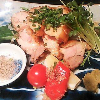 冠地鶏の炭火焼(博多十和蔵 (とわくら 【旧店名】 博多 々藏))