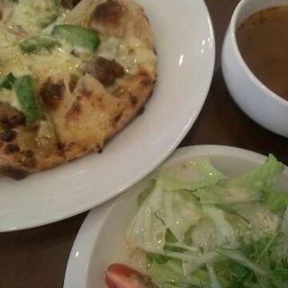 アボカドと照り焼きチキンのピザ(ACTWITH (アクトウィズ))