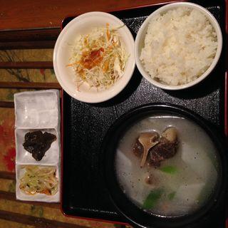 コムタン定食(韓国居酒屋&韓国料理 古家 上野店 (ゴガ))