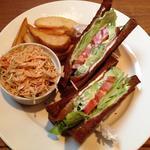 サンドイッチ(アボカドとサーモン)