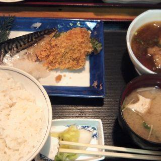 さばの塩焼き+鶏の肉団子甘酢煮+白身魚のカレー風味揚(下町酒場ちょいべゑ )