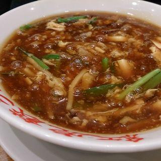 サンラータン麺(紅虎餃子房 有楽町店 (ベニトラギョウザボウ))