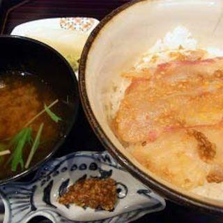 鯛のゴマ味噌丼(はしたて)