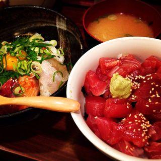 海鮮丼(まぐろ食堂 天満のとらやん )