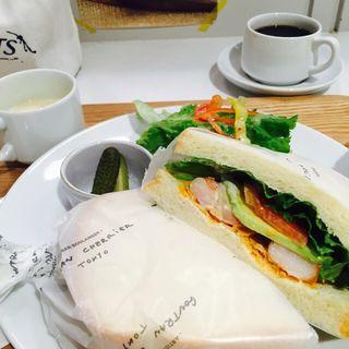 サンドイッチセット えびとアボカド(ゴントラン シェリエ 渋谷店 (GONTRAN CHERRIER))