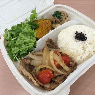ベトナム風豚の生姜焼き(バタフライカフェ)