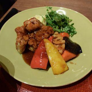 豚と野菜の黒酢炒め定食(Ootoya New York)