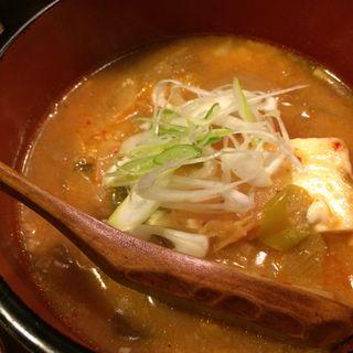 キムチ豆腐鍋(居酒屋 鶴肴 )