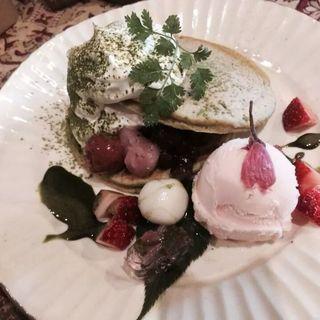 桜の和風パンケーキ(かぼ茶庵 )