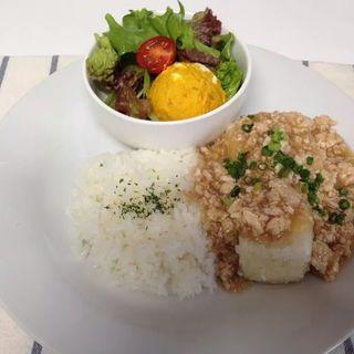 揚げ豆腐の挽肉あんかけ(きりんカフェ)