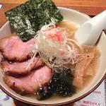 潮ラーメン(麺道 しゅはり 六甲道本店)