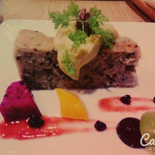 黒ゴマバナナケーキ(たまな食堂)