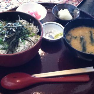 お月見しらす丼(湘南HANABI食堂 )