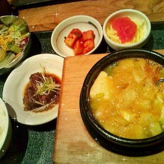 明太子チーズスンドゥブセット(有楽町コパン・コパン (COPAIN・COPINE))
