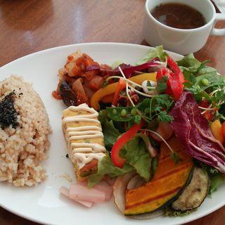 農園野菜のサラダ&デリプレート(チャヤマクロビ ロイヤルパークホテル ザ 汐留店)