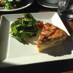 チョリソーとマンチェゴチーズのイタリアンオムレツ