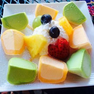 Mango and Green tea Mochi ice cream(Cafe Casa Arigato)