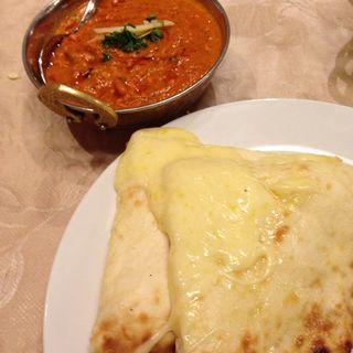 チーズナン(インドラ マハール (INDRA MAHAL))
