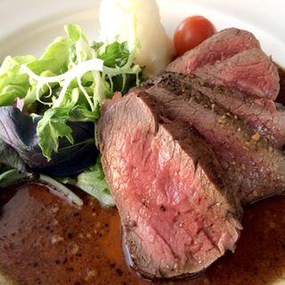牛肉フィレステーキ ガーリック醤油ソース( ビストロ ボーズ)