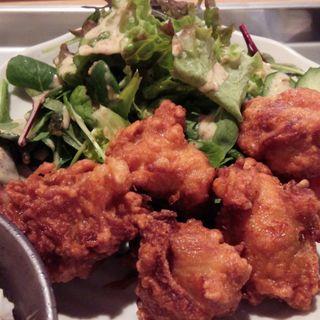 鶏の唐揚げ定食(飛梅 神田西口店 (トビウメ))