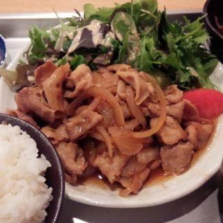 豚の生姜焼き定食(飛梅 神田西口店 (トビウメ))