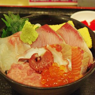 おまかせ海鮮丼(魚河岸酒場 ザ・築地 人形町店)