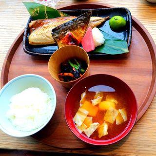 島根定食 サバ酒塩干し(ディヨンナナショクドウ (d47食堂))
