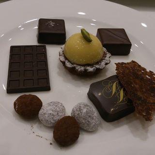 小菓子とショコラ(エメ・ヴィベール)