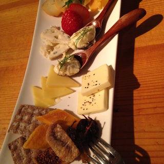 チーズの盛り合わせ(noka table (ノカテーブル))
