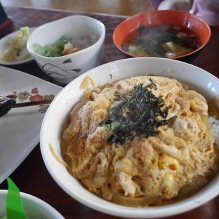 奥久慈軍鶏親子丼定食(奥久慈大子観光やな (おくくじだいごかんこうやな))