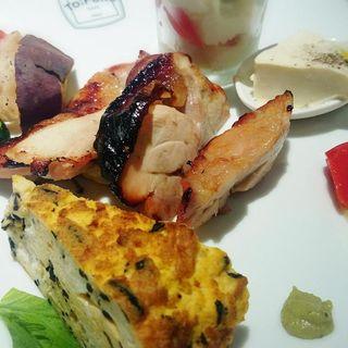 TO;FUKU PLATE(お肉 チキンの塩麹焼き)(カフェ トゥーフク (CAFE TO;FUKU))