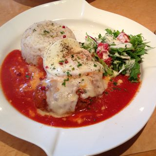 トマトチーズハンバーグ(MAPLE CAFE)