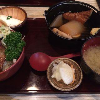 豚とろの炭火焼丼とおでんのセット(すりみや 神田淡路町店 )