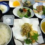 日替わり定食(むつごろう )