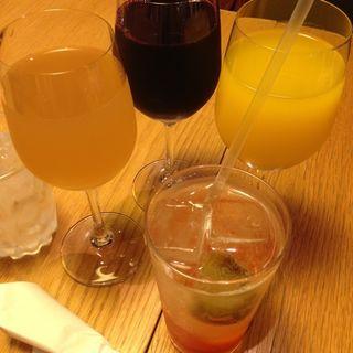 りんご、みかん、ぶどうジュース、完熟梅ソーダ(ディヨンナナショクドウ (d47食堂))