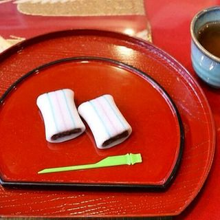 糸切り餅(糸切餅 元祖莚寿堂本舗)