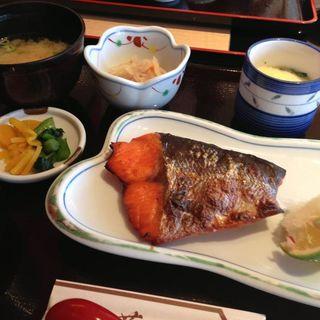 焼魚定食(海鮮居酒屋 芦刈 )