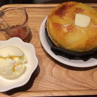 LOBBY パンケーキセットりんごのソテー仕立て(東京ロビー 丸の内店 )