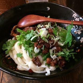 牛肉とパクチーの和え麺(中華第一家 杜記)