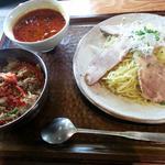 ユッケジャンクッパつけ麺とプルコギ丼セット(喜福世 (キッポヨ))