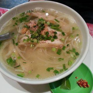 蒸し鶏のフォーランチ(KHANHのベトナムキッチン 銀座999)