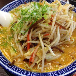 野菜盛り味噌豚骨麺大盛り(麺家 くさび 郡山富田店 )