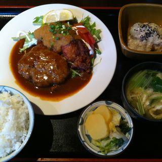 ハンバーグランチ(食工房 SHINOWA (ショクコウボウ シノワ))