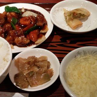 黒酢すぶた定食(蓬莱春飯店 (ホウライシュンハンテン))
