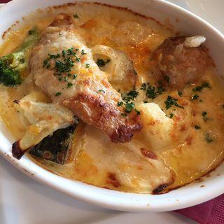 舌平目と帆立貝と冬野菜のチーズ焼き(TOOTH TOOTHParadise Kitchen (トゥーストゥース パラダイスキッチン))